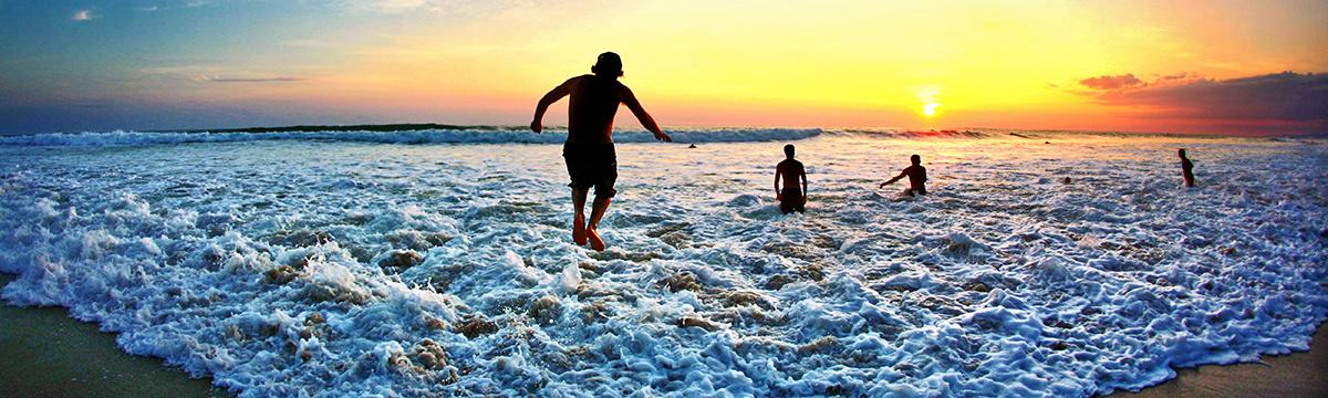 Surf Camp Costa Rica - Playa Hermosa Surf Spot